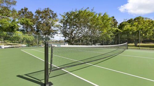 noosa-resort-with-tennis-court-4