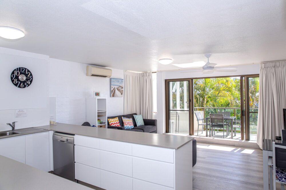 nossa-accommodation-palm-view-apt14-7