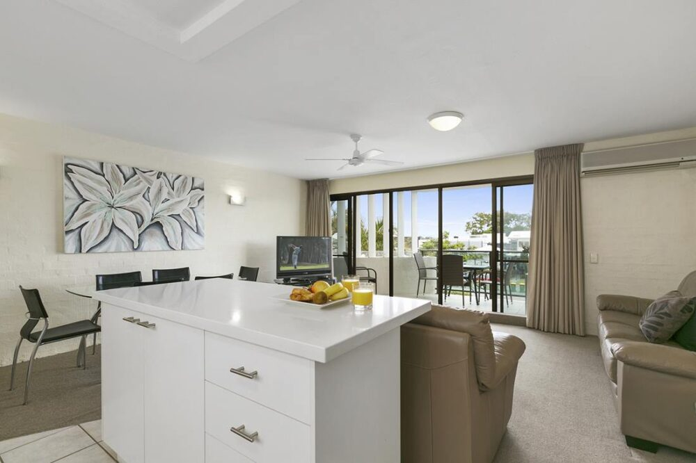 nossa-accommodation-palm-view-apt15-1