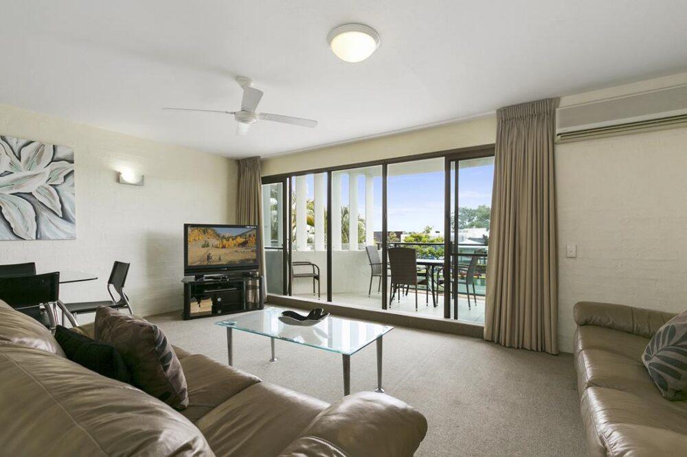 nossa-accommodation-palm-view-apt15-2
