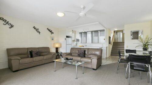 nossa-accommodation-palm-view-apt15-3
